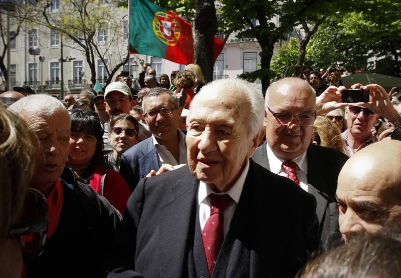 Falecimento do Dr. Mário Alberto Nobre Lopes Soares